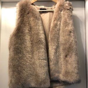 TopShop faux fur vest w/ pockets!